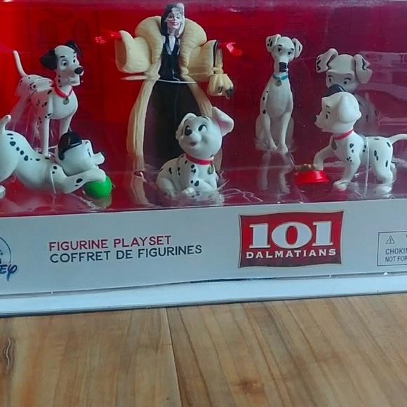 NWT 101 Dalmatians figures